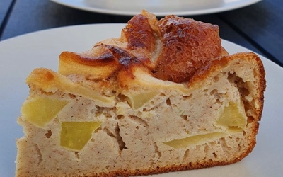 Gâteau moelleux pommes-canelle