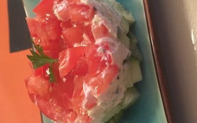 Entrée tomate concombre et tartare