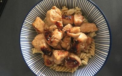 Blancs de poulet au sésame, miel soja