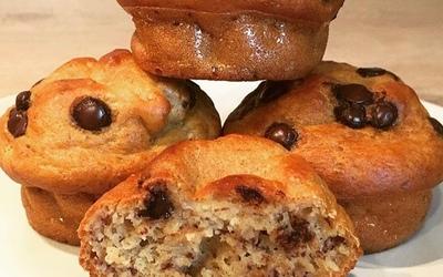 Banana-muffins aux pépites de chocolat