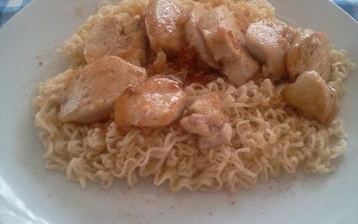 Nouilles chinoises au poulet, gingembre et miel