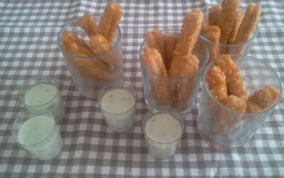 Frites de poulet,sauce au fromage