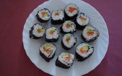 maki saumon, concombre & avocats ( simplissime!!)