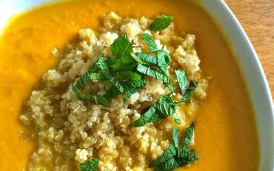Soupe de carotte, féta et quinoa
