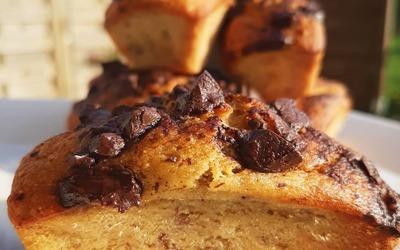 Mini cake à la banane et aux pépites de chocolat