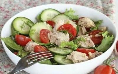 Salade de concombre légère