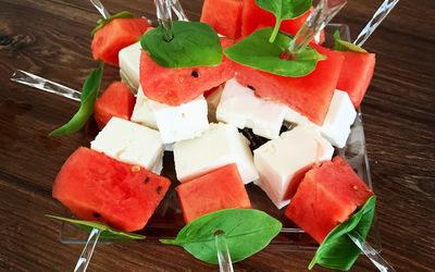 Brochettes pastèque/fêta/basilic