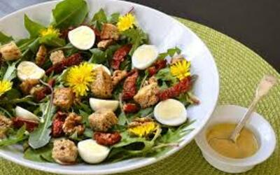 salade gourmande de pissenlit
