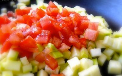 Courgettes à la tomate