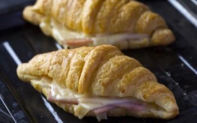 croissant au jambon -fromage