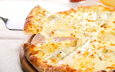 pizza aux 4 Fromages italiens