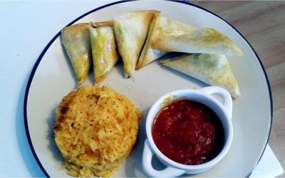 Samossa au poulet et légumes