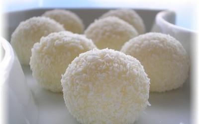 Boules coco type raffaello