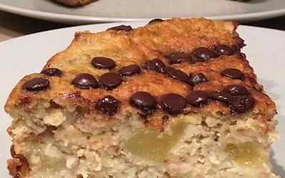 Gâteau aux flocons d'avoine-poire-chocolat