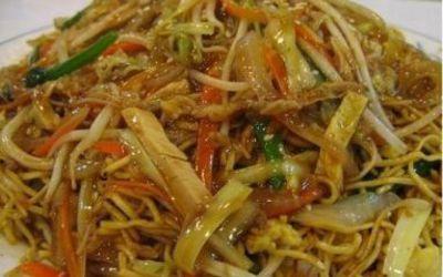 Nouilles au poulet et curry vert