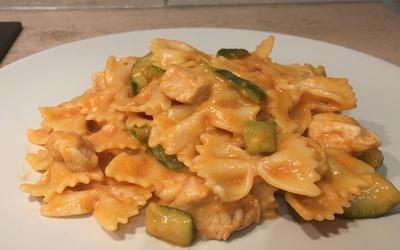 One pot pasta courgettes-poulet au Cookéo