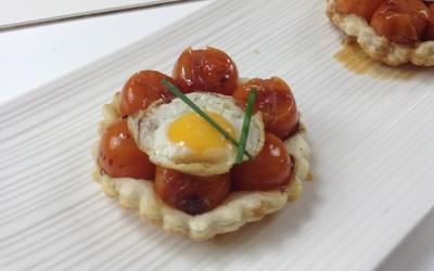 Tarte tatin tomate et oeuf