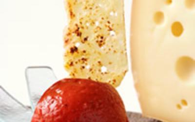 glace à la tomate et chips de gruyère