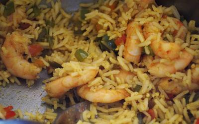 Riz au curry et crevettes