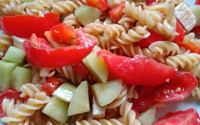 Salade de pâtes vinaigrette à la tapenade