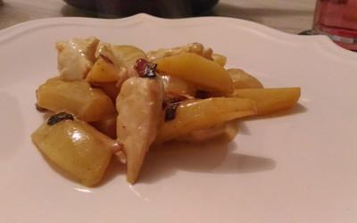 Filet de poulet et ses petites patates sauce curry