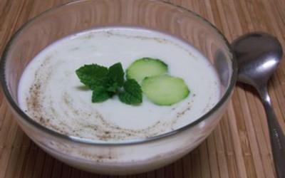 Soupe de concombre au yahourt