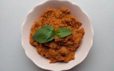 SaucePesto rosso  ( veritable recette italienne)