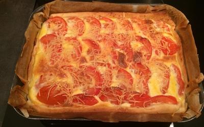 Tarte aux tomate, thon et à la moutarde