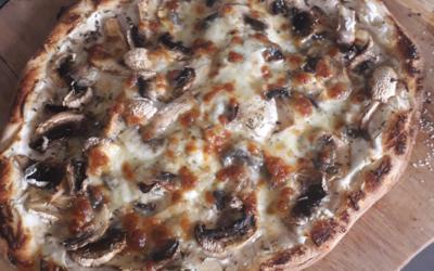 Pizza funghi ricotta