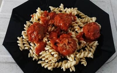 Boulettes de viandes mixtes à la sauce tomate
