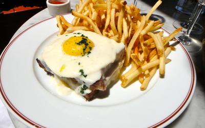 Croque Burger Madame façon pain perdu