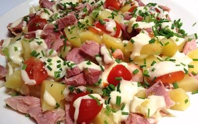 Salade tiède de jambonneau aux pommes de terre