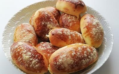 Petits pains briochés au fromage