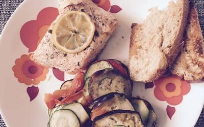 Saumon en papillote,Tian légumes et pain grillé