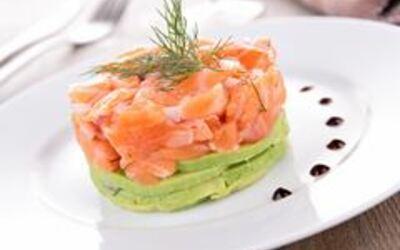 tartare  de saumon/avocat ( pour Noel)