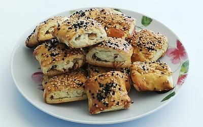 Biscuits salés aux noix et deux sésames