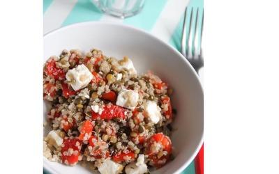 Salade quinoa-lentilles, poivron, feta
