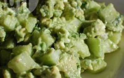 Salade avocat, concombre, chèvre frais