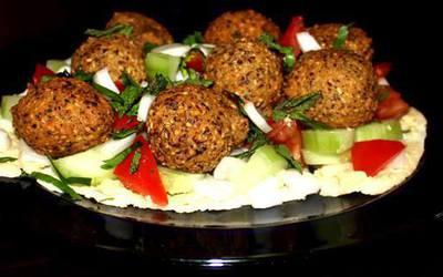 Falafel à la libanaise et duo de sauces