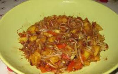 Wok de pousses de soja, ananas & poivrons