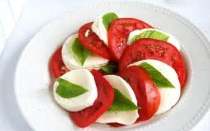 Salade Caprese expresse ( recette italienne)