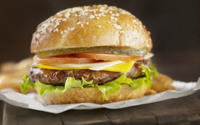 recette burger maison pas ch re et rapide cuisine tudiant. Black Bedroom Furniture Sets. Home Design Ideas
