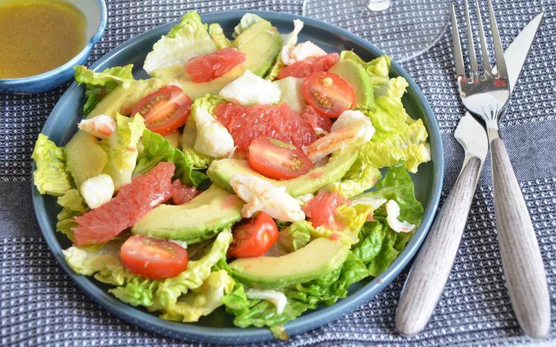 recette salade d 39 avocats et pamplemousse recette light conomique et rapide cuisine tudiant. Black Bedroom Furniture Sets. Home Design Ideas