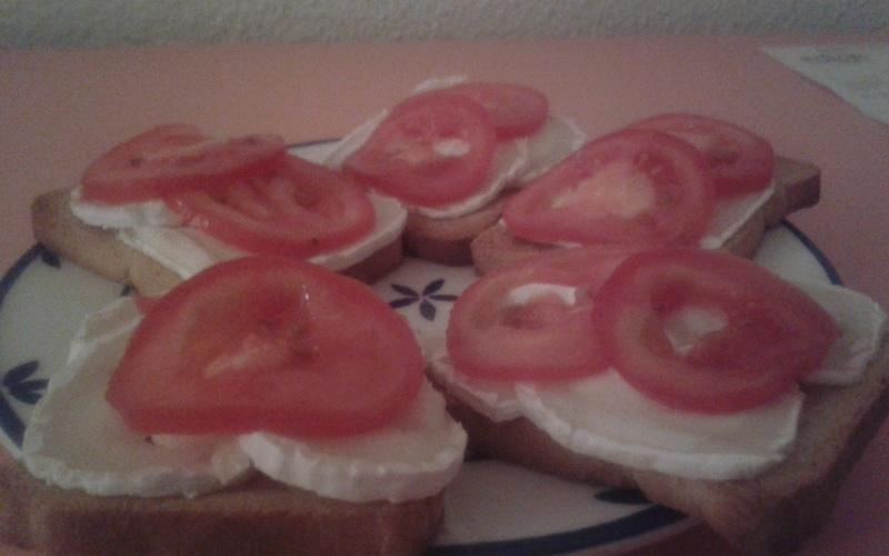 Recette tartines ch vre tomate sans four pas ch re et express cuisine tudiant - Cuisine etudiante sans four ...