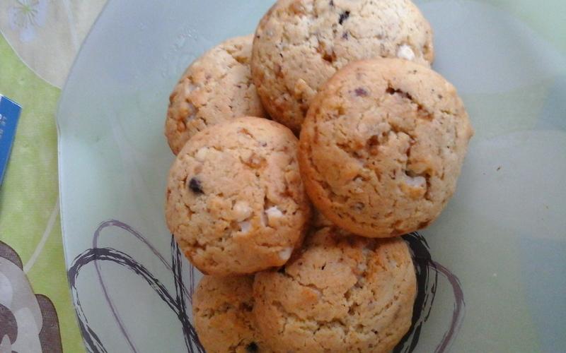 Cookies 4 épices, noisettes, 3 chocolats