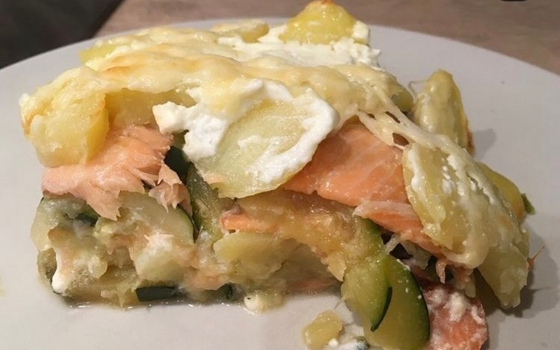 Gratin de courgettes-saumon-pommes de terre