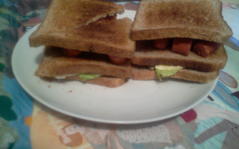 Club-sandwichs aux saucisses