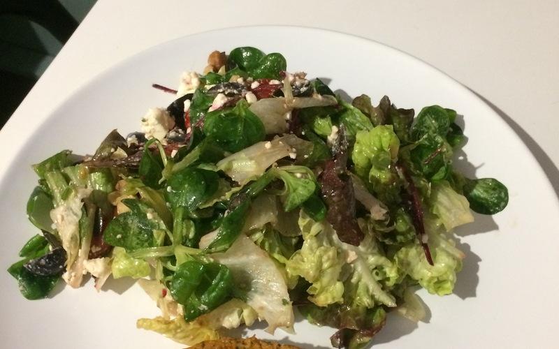 Salade simplissime à la grecque.
