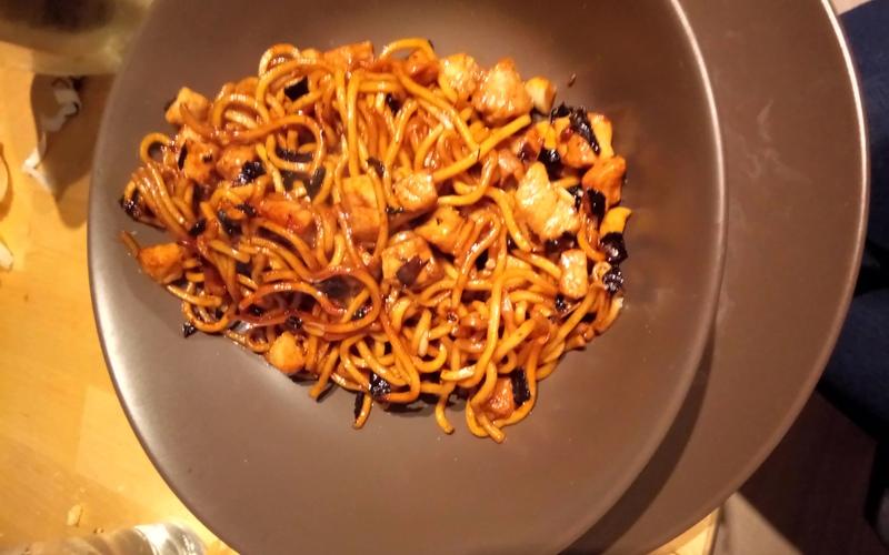 Porc sauté aux nouilles chinoises