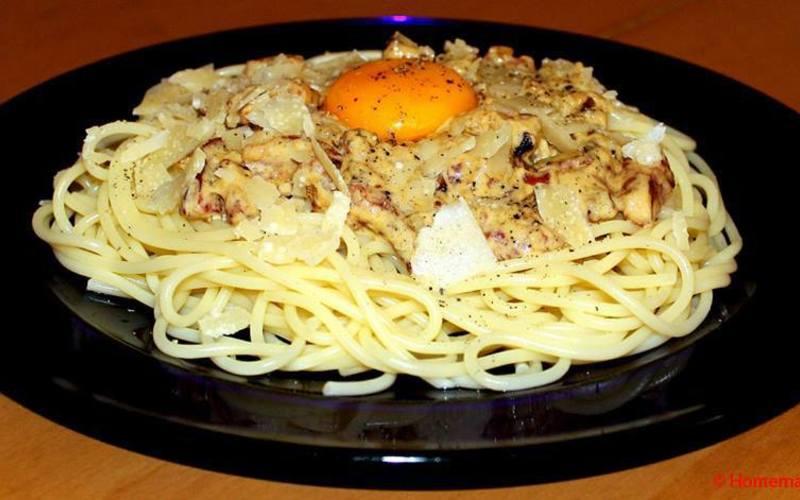 Spaghetti à la carbonara & copeaux de parmesan